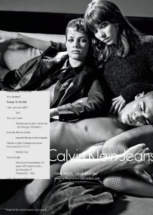 Calvin Klein se inspirou em conversas quentes do Tinder para fazer fotos de nova campanha - Divulgação
