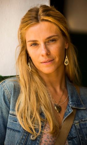 Lara (Carolina Dieckmann) é uma mulher quase sem vaidade