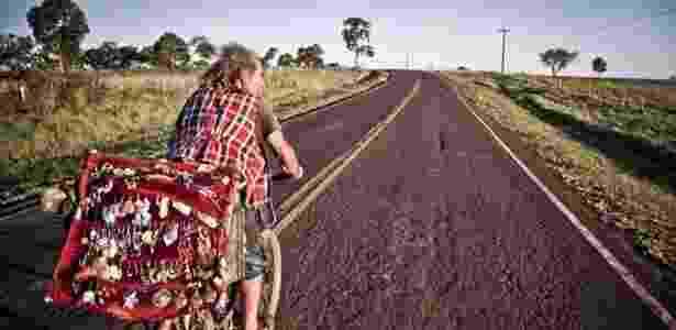 """""""Malucos de estrada"""" viajam o mundo vendendo artesanato para se manter - Divulgação/Malucos de Estrada Cultura de BR"""