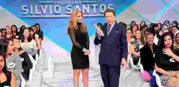 Silvio Santos conversa com a atriz mexicana Lucero no programa que irá ao ar no dia 17 - Lourival Ribeiro/SBT