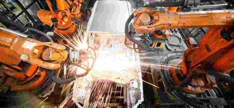 """""""Rota 2030"""" promete manter benefícios à indústria, mas corrigir deslizes do """"Inovar-Auto"""" e atualizar segurança - Fernando Donasci/UOL"""