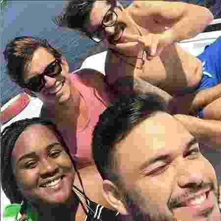 Roberta, Ilmar e Manoel aprovaram o passeio de barco pelo Rio Negro - Reprodução/Instagram/@ilmaroficial