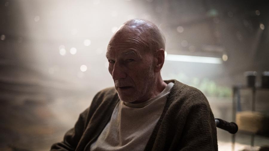 """O ator Patrick Stewart em cena de """"Logan"""" - Reprodução"""