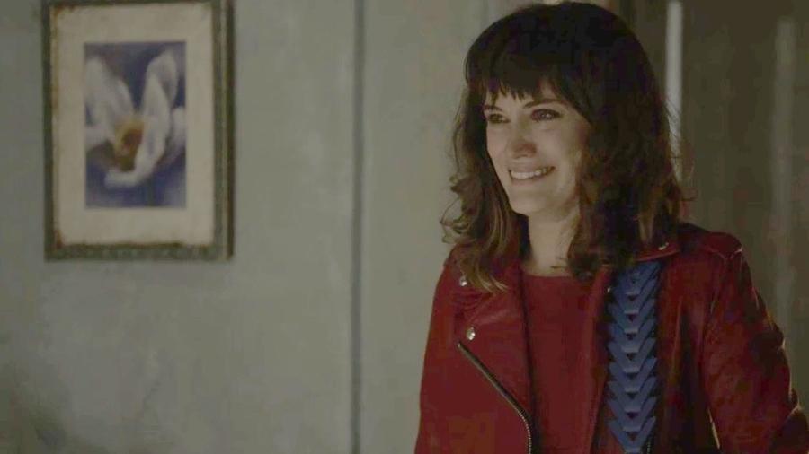 """Clara se emociona ao reencontrar o avô em """"O Outro Lado do Paraíso"""" - Reprodução/GshOw"""