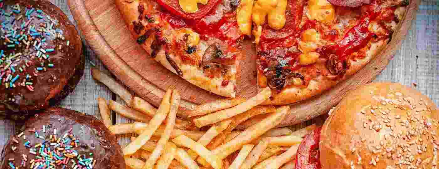 Ingerir grandes quantidades de comida é essencial para o sucesso do mukbang - Getty Images
