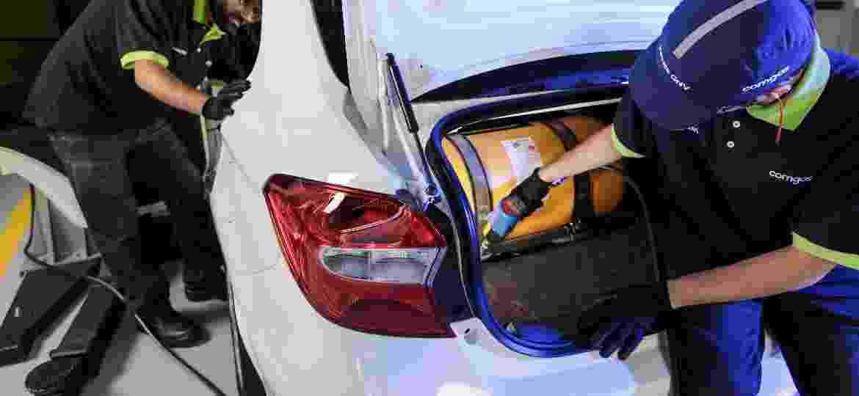 Oficina especializada faz instalação de kit GNV em veículo - Divulgação