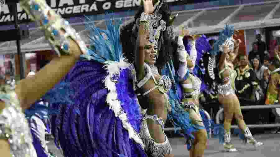 Desfile da Vai-Vai no Carnaval 2018 terminou na décima posição - Simon Plestenjak/UOL
