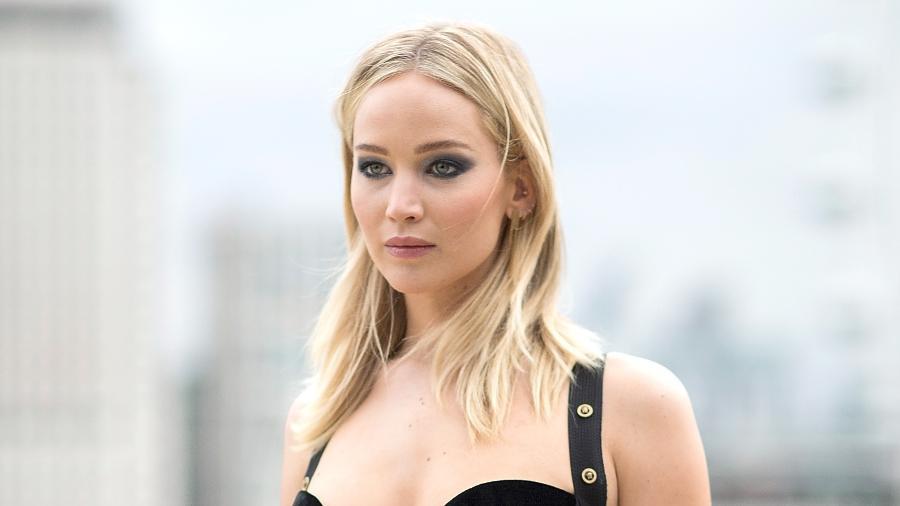 """Jennifer Lawrence no evento de divulgação de seu novo filme, """"Operação Red Sparrow"""", no dia 20 na Inglaterra - Getty Images"""