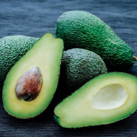 O abacate é fonte de gorduras boas que protegem o coração e ajudam a emagrecer - iStock