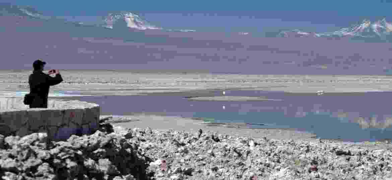 Salares do Chile, como o do Deserto do Atacama, são atrações naturais da região e fontes de energia para o país - Eduardo Vessoni/UOL