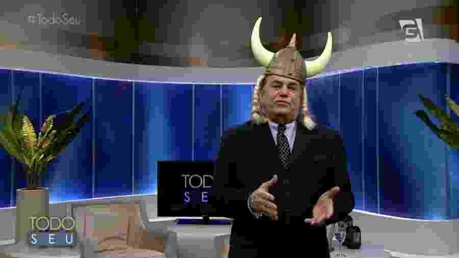 """Ronnie Von apresenta o programa """"Todo Seu"""", na Gazeta, vestindo um chapéu viking - Reprodução/TV Gazeta"""