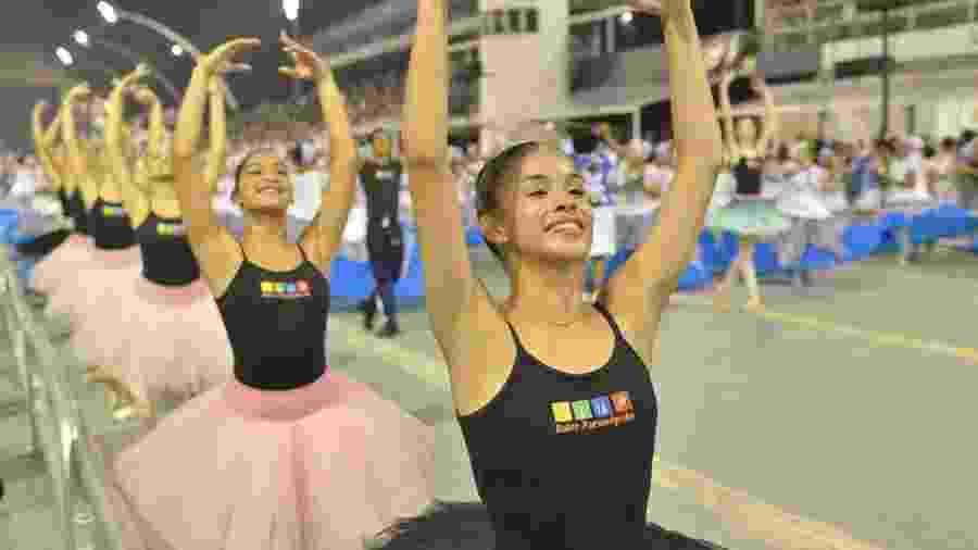 Bailarinas do Ballet Paraisópolis ensaiam no sambódromo - Felipe Araújo/Divulgação