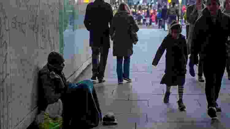 Crise econômica pode agravar quadro de depressão, mas não responde sozinha por elevação em suicídios - AFP