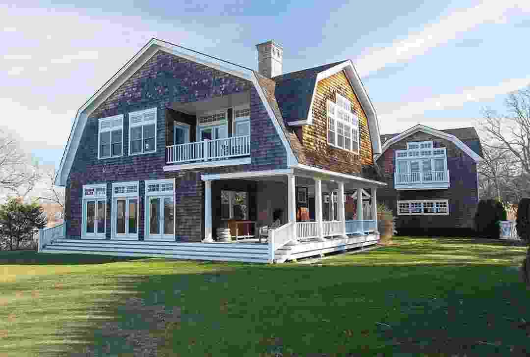 Rihanna aluga mansão nos Hamptons que Kourtney e Khloe Kardashian já moraram - Reprodução/Instagram - @douglaselliman