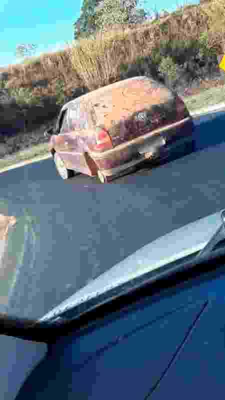 Volkswagen Gol 3 rodas Minas Gerais - Reprodução - Reprodução