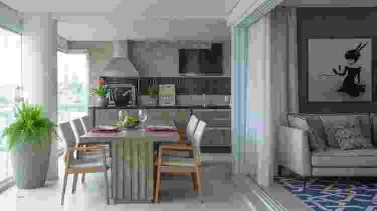 Churrasqueira no apartamento - Luis Gomes - Luis Gomes