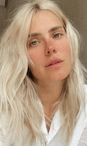 Carolina Dieckmann mostrou novo visual