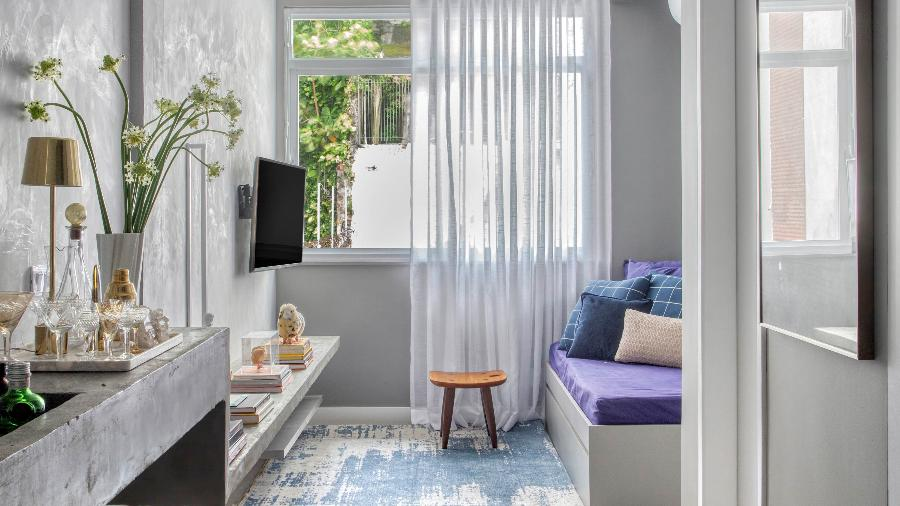 Apartamento de Rodolfo mistura cores com o cinza e cria identidade aos ambientes - Denilson MachadoMCA/Divulgação