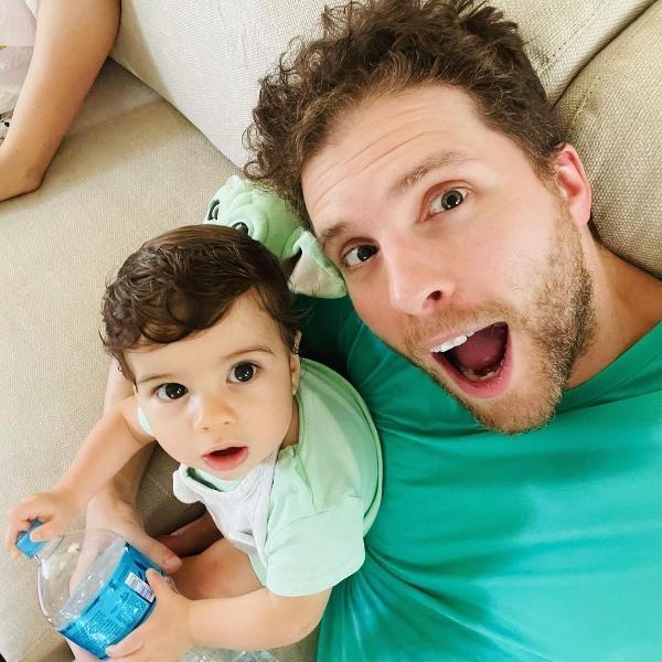 Thiago Fragoso e o filho Martin