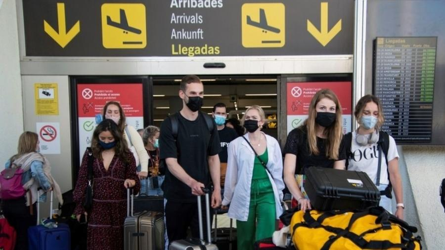 "Espanha abriu a fronteira para turistas vacinados, mas Brasil está excluído da lista por apresentar ""especial risco epidemiológico"" - EPA/CATI CLADERA"