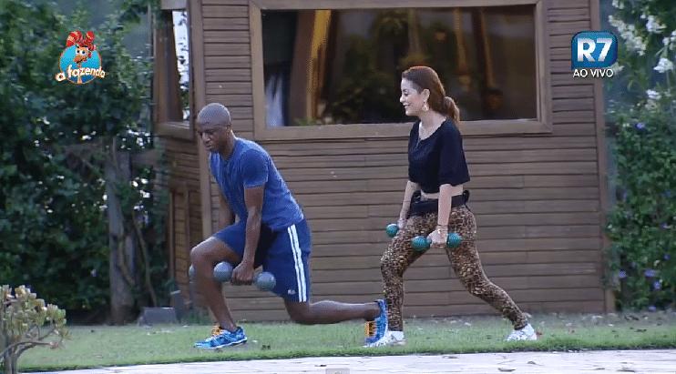 26.set.2015 - Os peões Amaral e Li Martins treinaram na tarde de sábado. A cantora reclama: