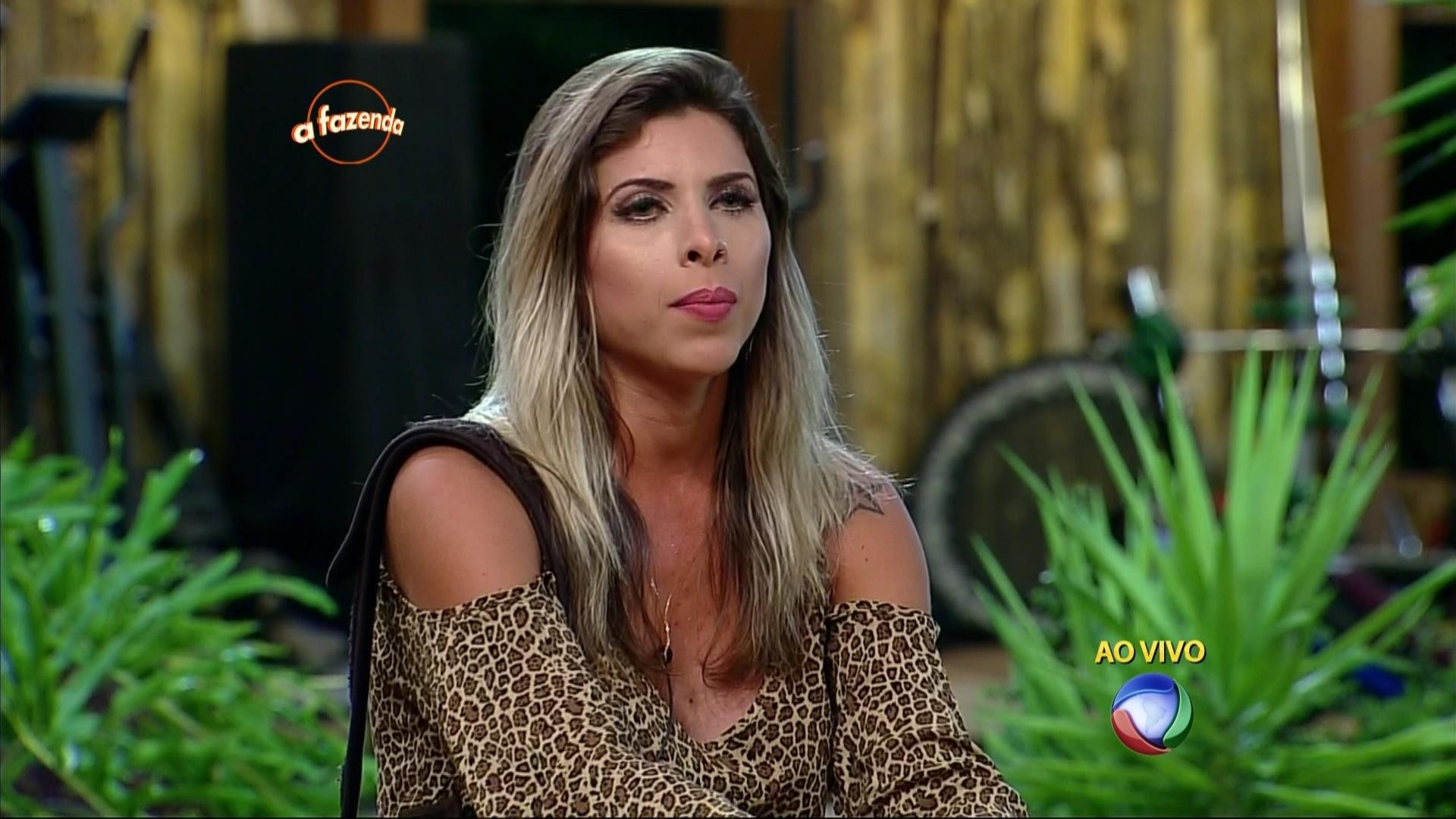 24.nov.2015 - Ana Paula Minerato criticou Rayanne Morais no programa ao vivo