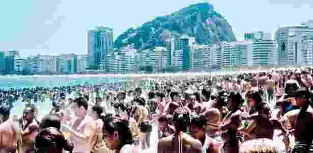 """""""Foule"""" (2011, Coleção do artista), de Benoit Fournier, em cartaz na mostra """"Linguagens do Corpo Carioca [a vertigem do Rio]"""", no Museu de Arte do Rio - Benoit Fournier/Coleção do artista"""