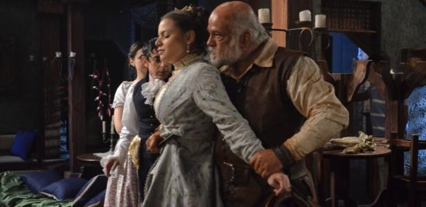 O maligno Osório (o ótimo Jayme Periard) faz Filipa (MIlena Toscano) de refém - Divulgação/Record