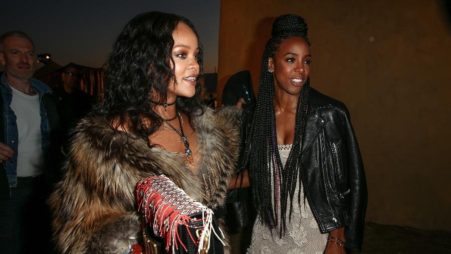 Rihanna e Kelly Rowland no desfile da coleção Cruise 2018 da Dior - Getty Images