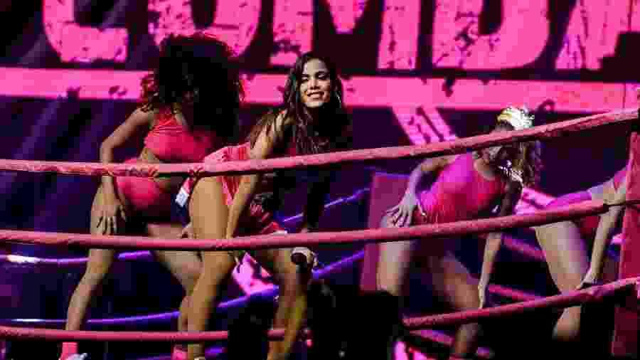 Anitta se apresenta na festa Combatchy - Mariana Pekin/UOL