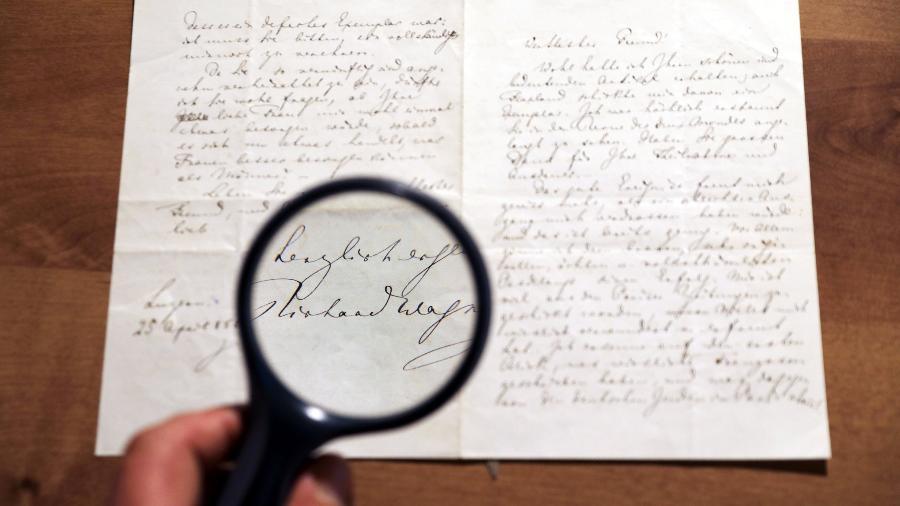 Carta escrita em 1869 pelo compositor alemão Richard Wagner - Ammar Awad/Reuters