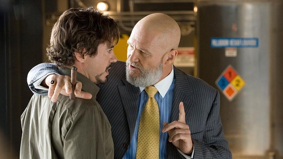 """Robert Downey Jr. e Jeff Bridges em cena de """"Homem de Ferro"""" - Reprodução"""