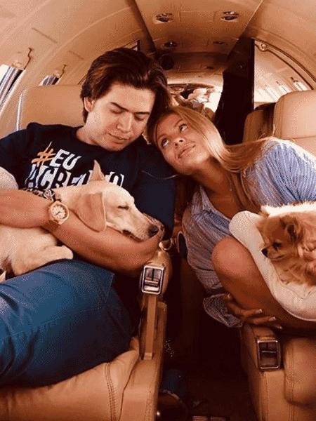 Luísa Sonza e Whindersson Nunes a bordo do jatinho do youtuber - Reprodução/Instagram