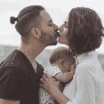 Monica Benini e o marido, Junior Lima, com o filho Otto - Reprodução/Instagram