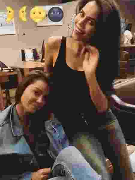 Simone Abdelnur e Daniela Albuquerque cuidam do cabelo juntas - Reprodução/Instagram/simoneabdelnur
