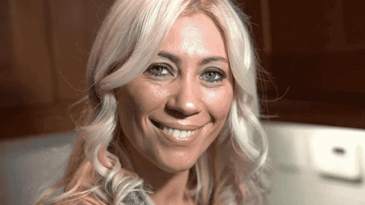 Claire Stone faz vaporização do útero há anos e oferece o serviço para suas clientes - Image caption  - Image caption