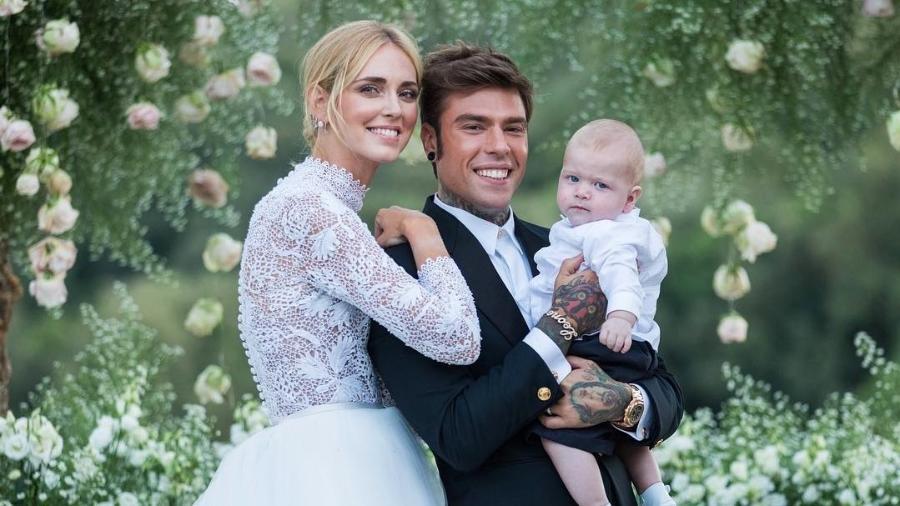 Chiara ao lado do marido Fedez e do filho Leo - Reprodução/Instagram/fedez