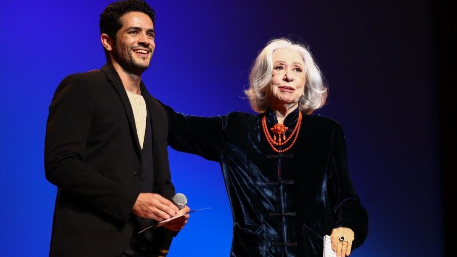 Fernanda Montenegro se emociona com homenagem feita pelo ator Vinicius de Oliveira no Grande Prêmio de Cinema Brasileiro 2018 - Roberto Filho / Brazil News