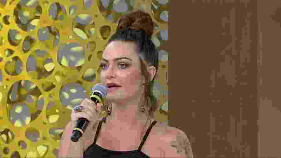 """Laura Keller no """"Superpop"""" - Reprodução/RedeTV!"""