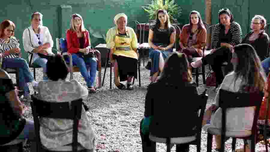 Projeto Flor Amarela leva ajuda, conforto e abraço a mulheres que perderam parentes - Rodrigo Clemente de Morais Silva