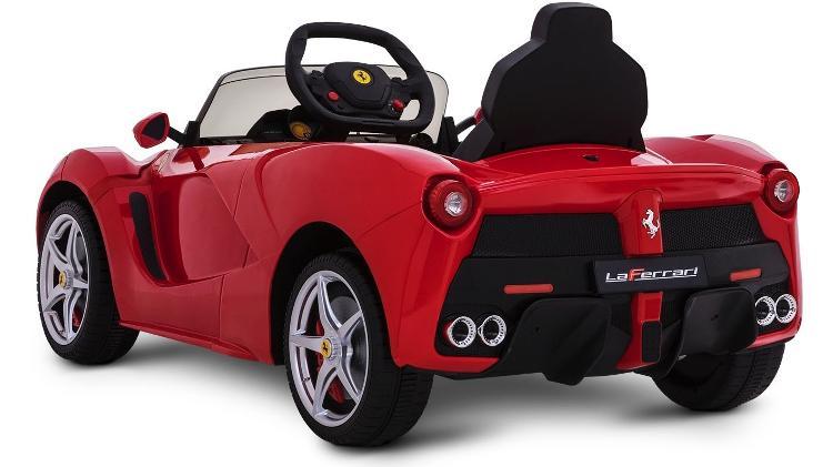 """Que tal se iniciar ao volante de uma Ferrari LaFerrari? Pequenos podem """"pilotar"""" uma - Divulgação"""