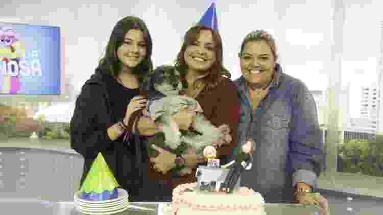 Fabíola Reipert e a irmã, Mabell Reipert, com a filha da apresentadora de A Hora da Venenosa da Baixada Santista - Antonio Chahestian/Divulgação Record
