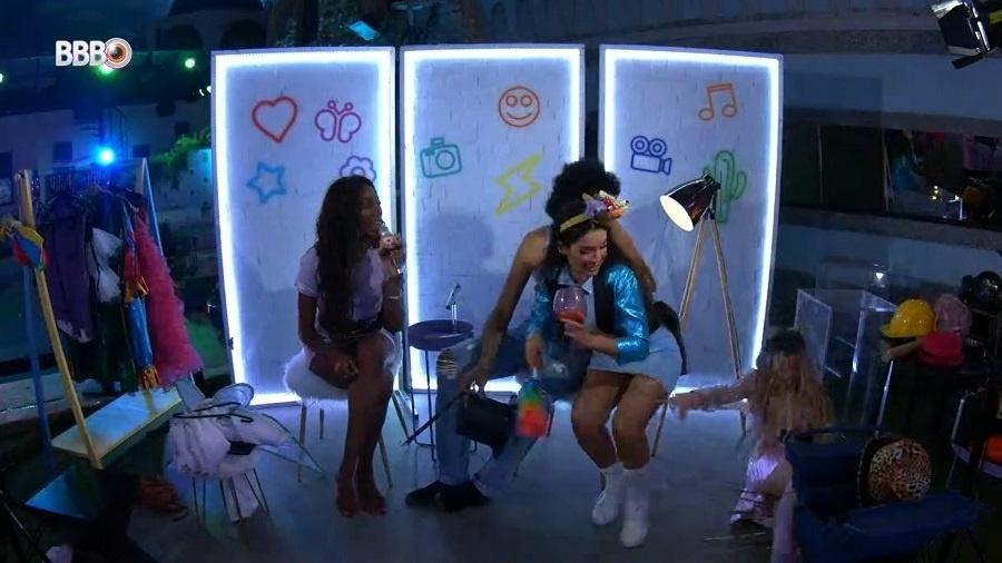 BBB 21: Viih Tube cai da cadeira durante sua festa de líder - Reprodução/Globoplay