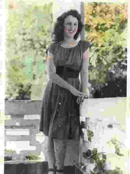 Vó Sandra em foto dos anos 40 - Arquivo pessoal - Arquivo pessoal