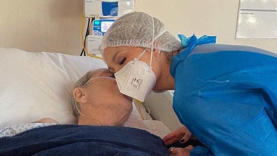 Virgínia Fonseca em visita ao pai, Mário Serrão, no hospital - Reprodução/Instagram