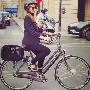 Look para trabalhar de bike - Reprodução/Instagram @sawakofuruno
