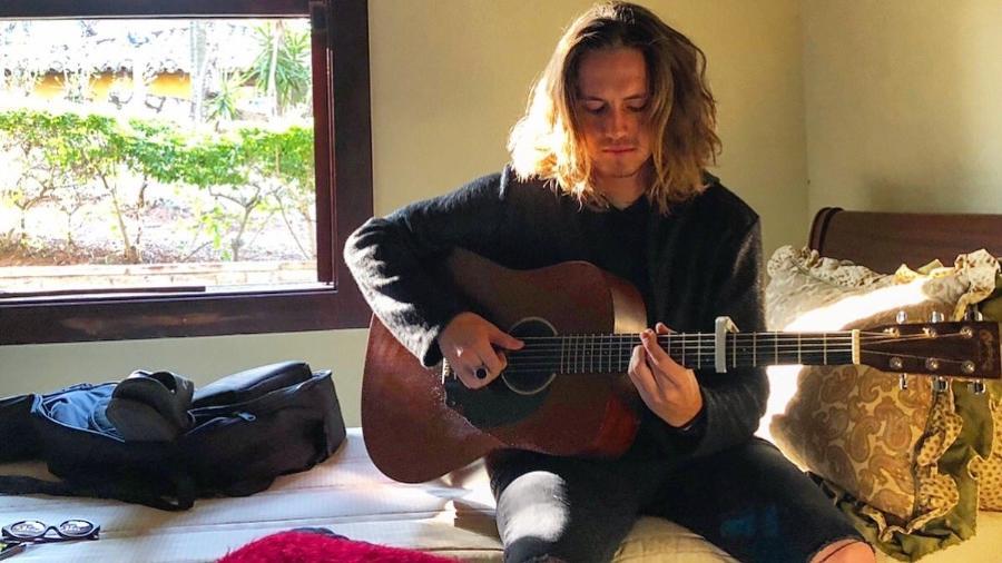 """Vitor Kley, compositor de """"O Sol"""" - Instagram/Reprodução"""