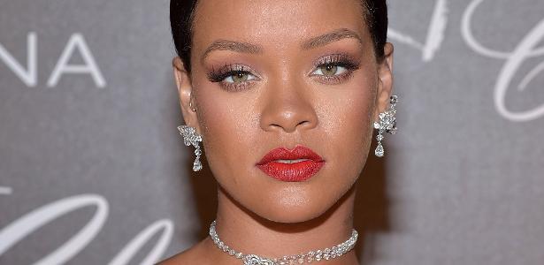 c8cff5f1b9d Rihanna é processada por copiar logo de marca de roupas em sua coleção -  19 10 2018 - UOL Universa