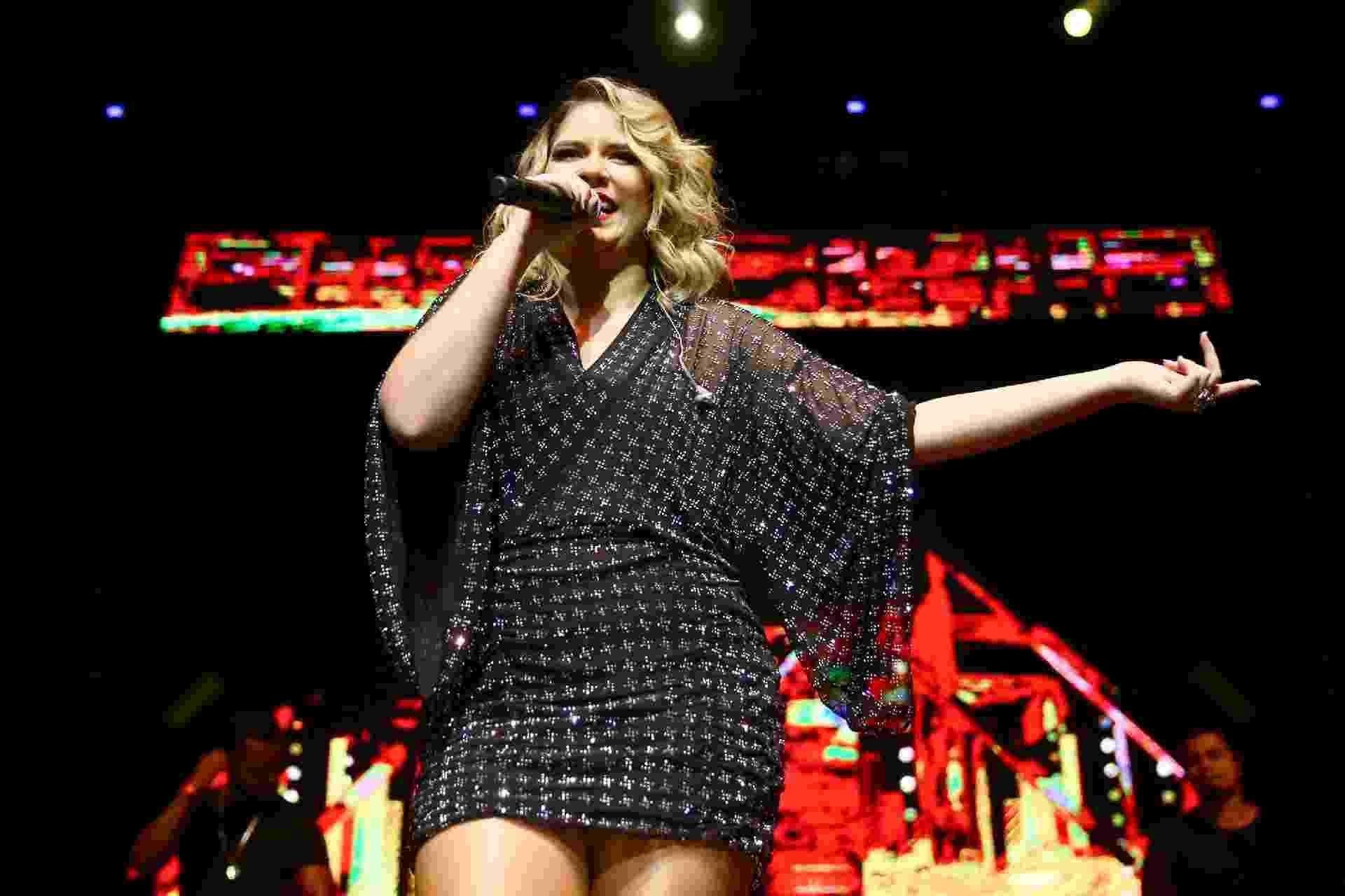Marília Mendonça se apresenta no palco do Credicard Hall em São Paulo na noite deste sábado (28) - Manuela Scarpa/Brazil News