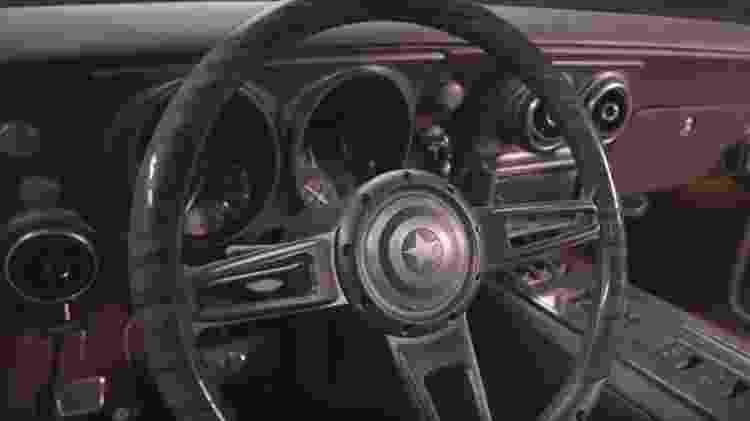 Detalhe do volante do Camaro 1967 que Robert Downey Jr. deu de presente para Chris Evans - Divulgação - Divulgação